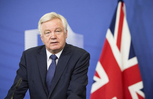 Michel Barnier, Chief Negotiator and Head of the Taskforce of the EC for the Preparation and Conduct of the Negotiations with the United Kingdom under Article 50 of the TEU receives David Davis, British Secretary of State for Exiting the European Union.